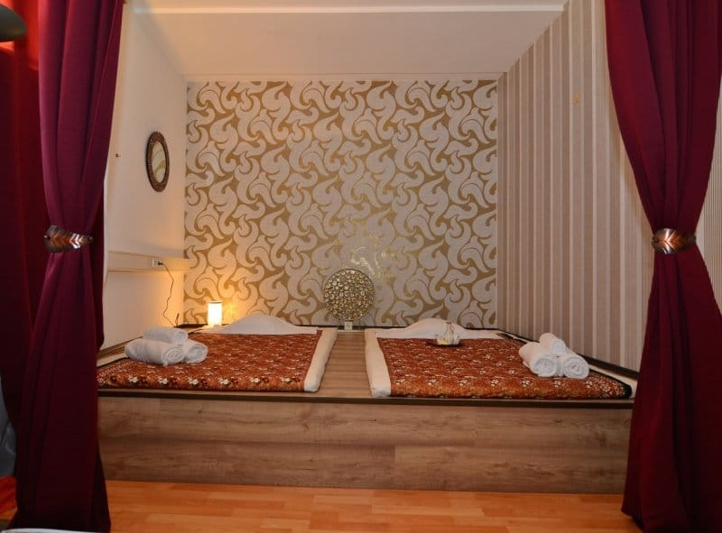 Thaimassage im Banyan Gold Raum. The One Thai Massage