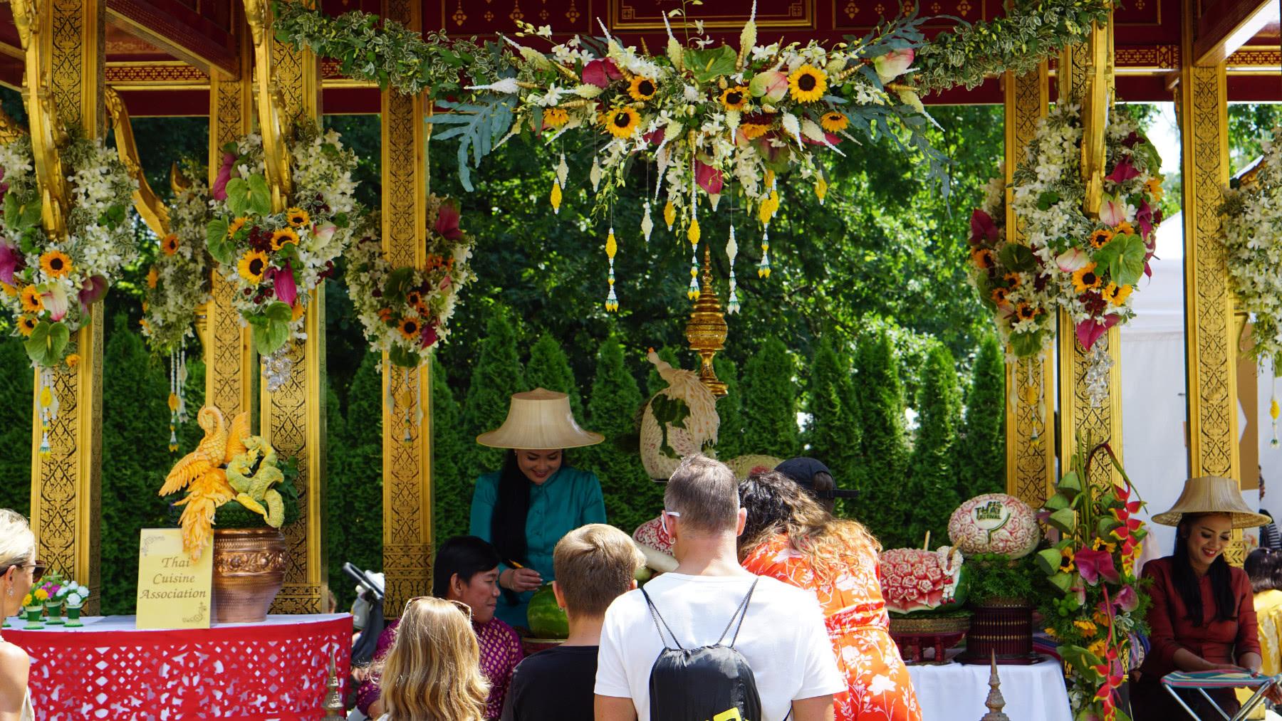 Thai-Festival in Bern: Thaimassage zum Kennenlernen bei Freunden 1