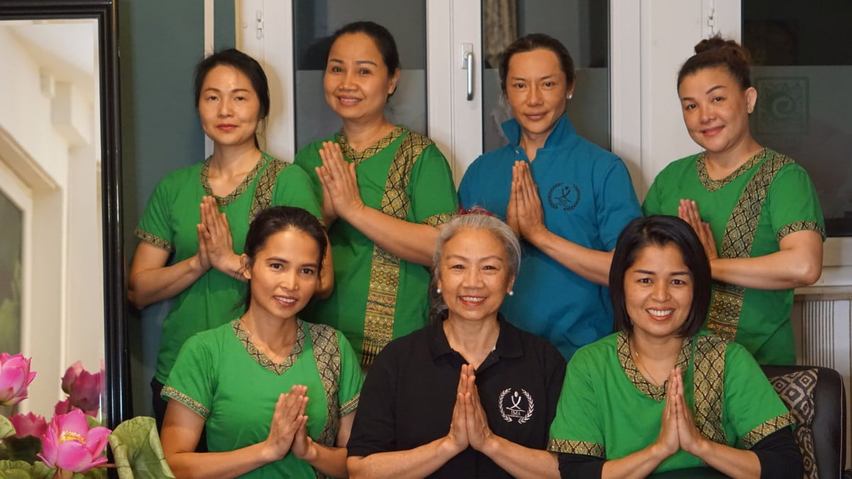 Team The One Thai Massage mit Pim Choy