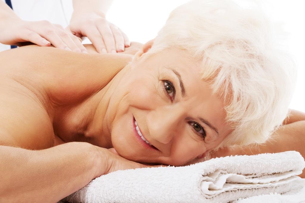 Thaimassage. The One Thai Massage. Entspannt massiert für jedes Alter.