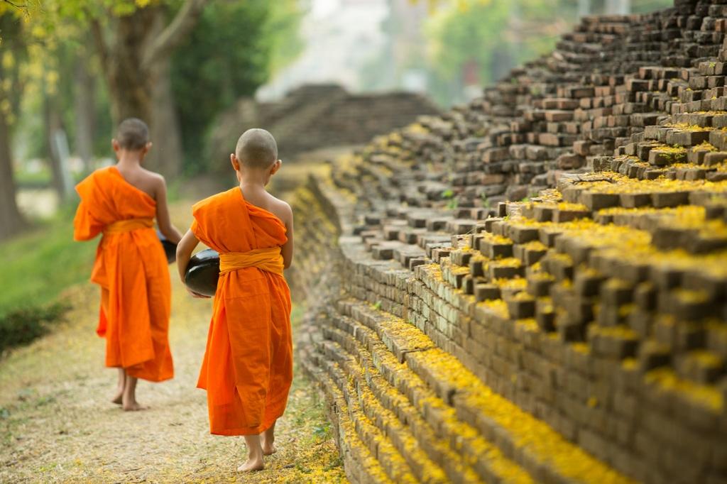 Traditionelle Thai Massage Zwei Mönche
